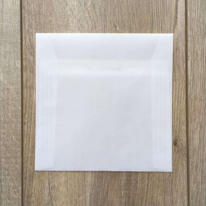 Kuverta iz belega paus papirja 16x16cm – spredaj