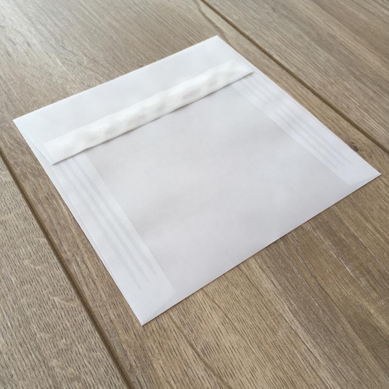 Kuverta iz belega paus papirja 16x16cm