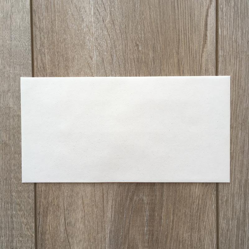 Kuverta iz svetlega Eko papirja 22x11cm (Amerikanka) s stranskim odpiranjem – spredaj