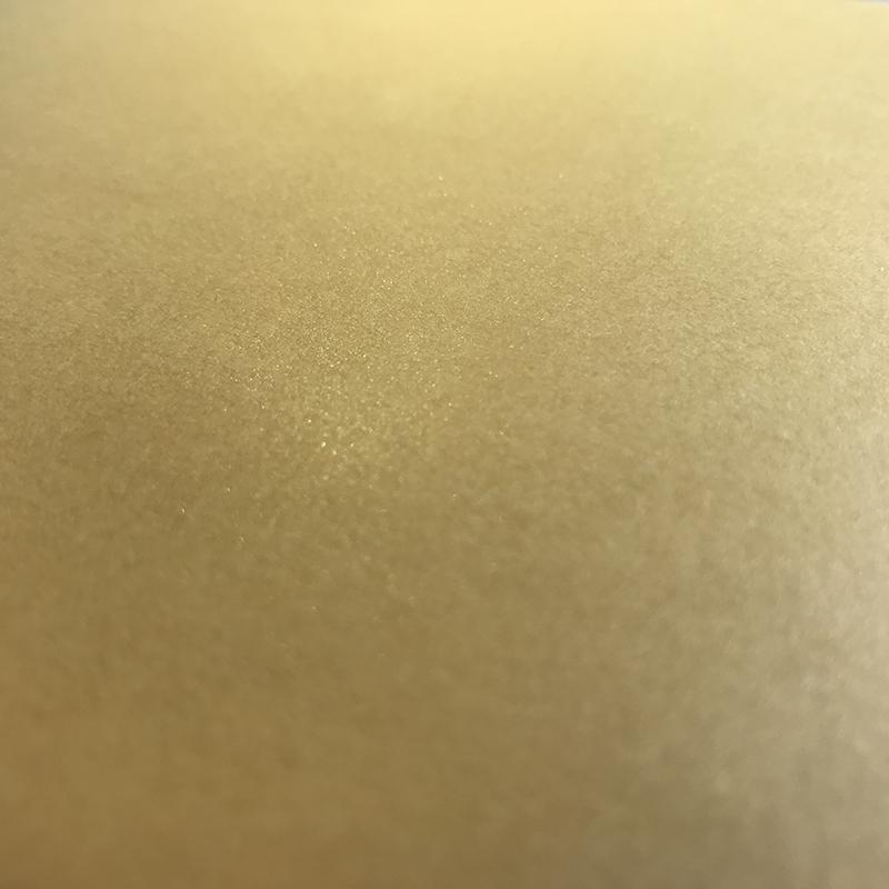 Zlat material