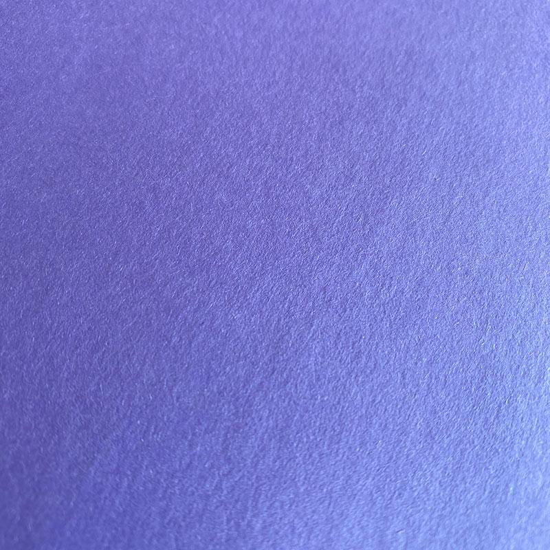 Gladek sijoč papir v barvi sivke