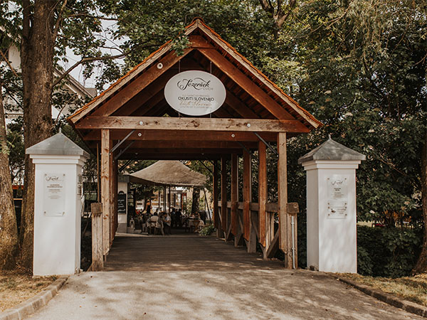 Poročna lokacija Dvor Jezeršek